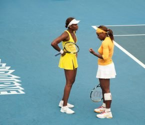 1280px-Melbourne_Australian_Open_2010_Venus_and_Serena_Chat